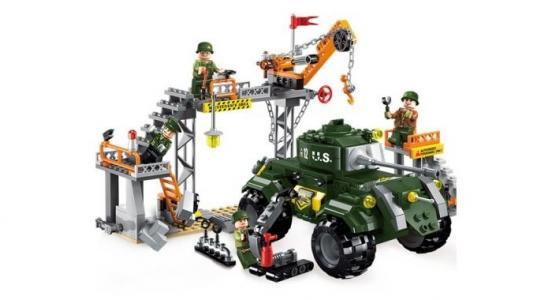 Военная база Combat Zone (396 деталей) Enlighten Brick