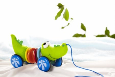 Каталка-игрушка  Каталка Крокодил Wonderworld